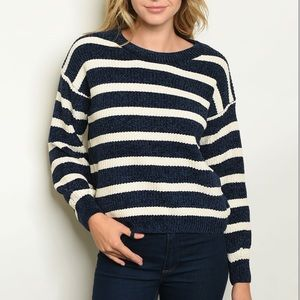 Navy + ivory crewneck long sleeve knit sweater